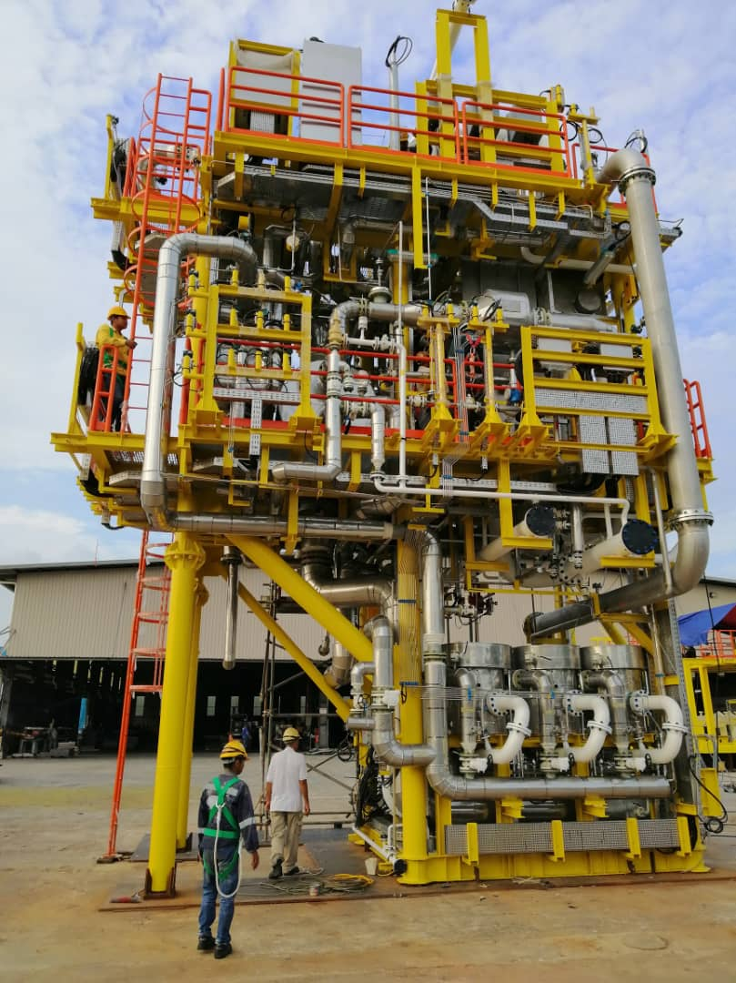 Cryogenic insulation for an offshore platform